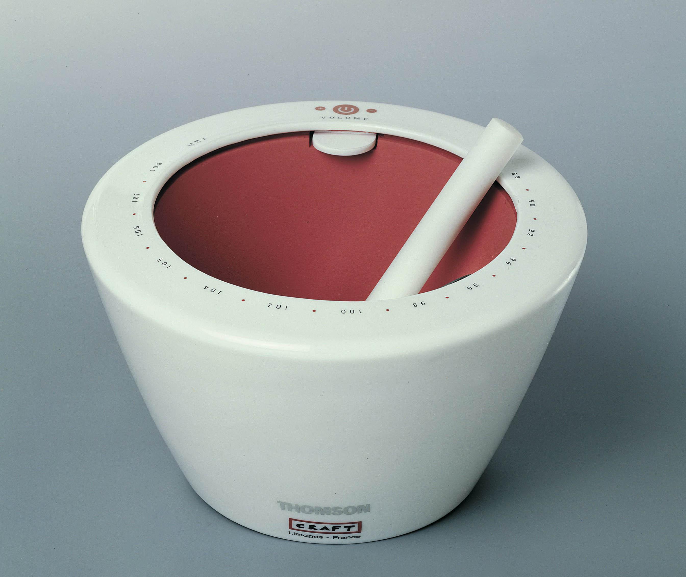 Radio en porcelaine